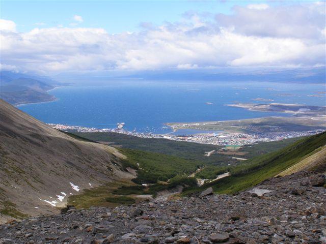 Uitzicht op Ushuaia en Beagle kanaal